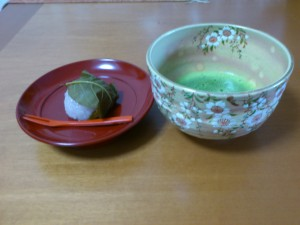 この季節お気に入りの枝垂れ桜の抹茶茶碗